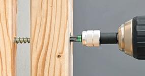 Nový sortiment: Vruty do dřeva pro distanční montáž s mezerou